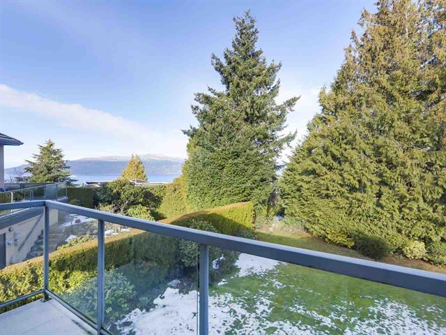 West Vancouver 4br 4ba Executive home at Upper Caulfeild!